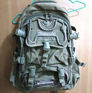 🚚 全新ADKING帆布後背包-軍綠色(原價1190)