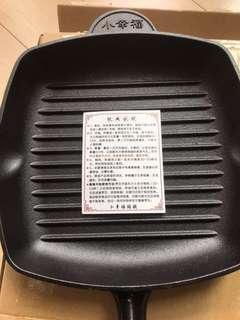 全新~小幸福生鐵牛扒鍋26cm
