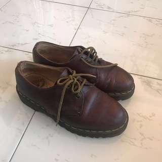 🚚 Dr Martens Made in England 1461 in Brown