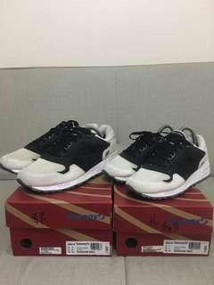 2 SAUCONY FOR 5500