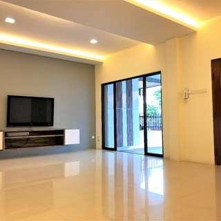 Renovated Inter Terrace House Within Walking Distance To Kovan Mrt