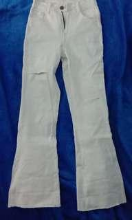 Ripped white pants cutbray