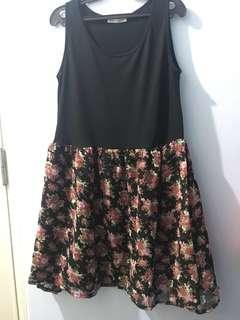 Ladies' Sleeveless Dress