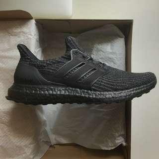 🚚 UK7 triple black ultra boost 4.0