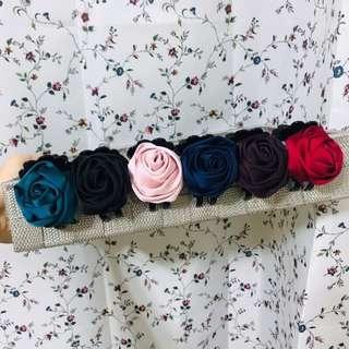 🚚 緞面玫瑰花馬尾夾