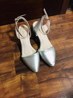🚚 Air space銀色繞腳粗跟高跟鞋