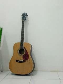 Gitar Merk Gibson