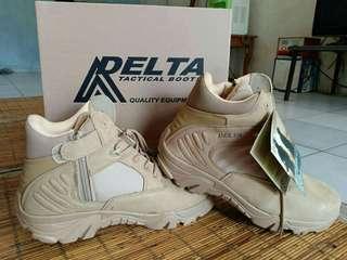 Sepatu Delta ori new