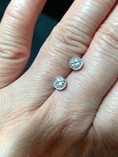 18K白金鑽石水泡耳環