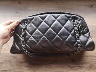 🚚 100% Authentic Chanel Mademoiselle Bowler