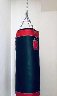 🚚 Punching Bag