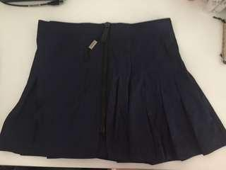 New Burberry pleat skirt with zip UK8