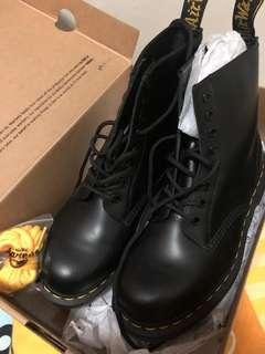 Dr Martens boot 全新