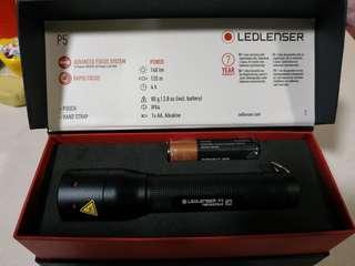 LEDLENSER P5 電筒