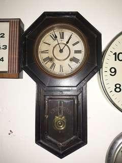 Jam Kunci 2 Lubang