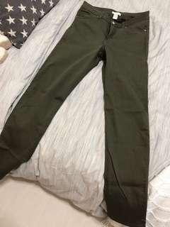 🚚 H&M Army Green Pants