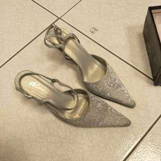 🚚 HD銀鑽時尚尖頭高跟鞋
