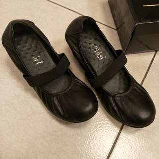 🚚 Ofeel 娃娃鞋