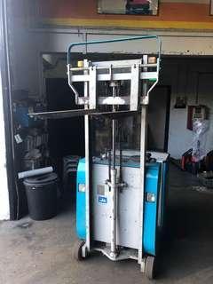 🚚 Mini stacker 500kg for sale
