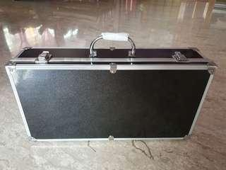 FLIGHT CASE BIG FOR CARRYING ETC PADEL EFFECTS, WATCHES, JEWELLERY,  LENS & CAMERAS AND ALL VALUABLE PERSONAL ITEMS.