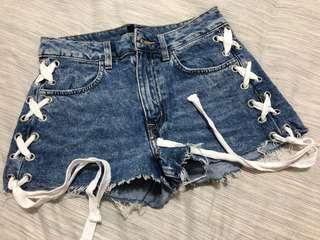 🚚 H&M High Waist Jeans Shorts