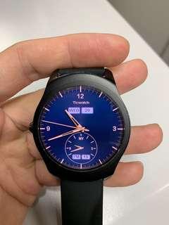 Ticwatch 第一代,共兩隻,可散買。