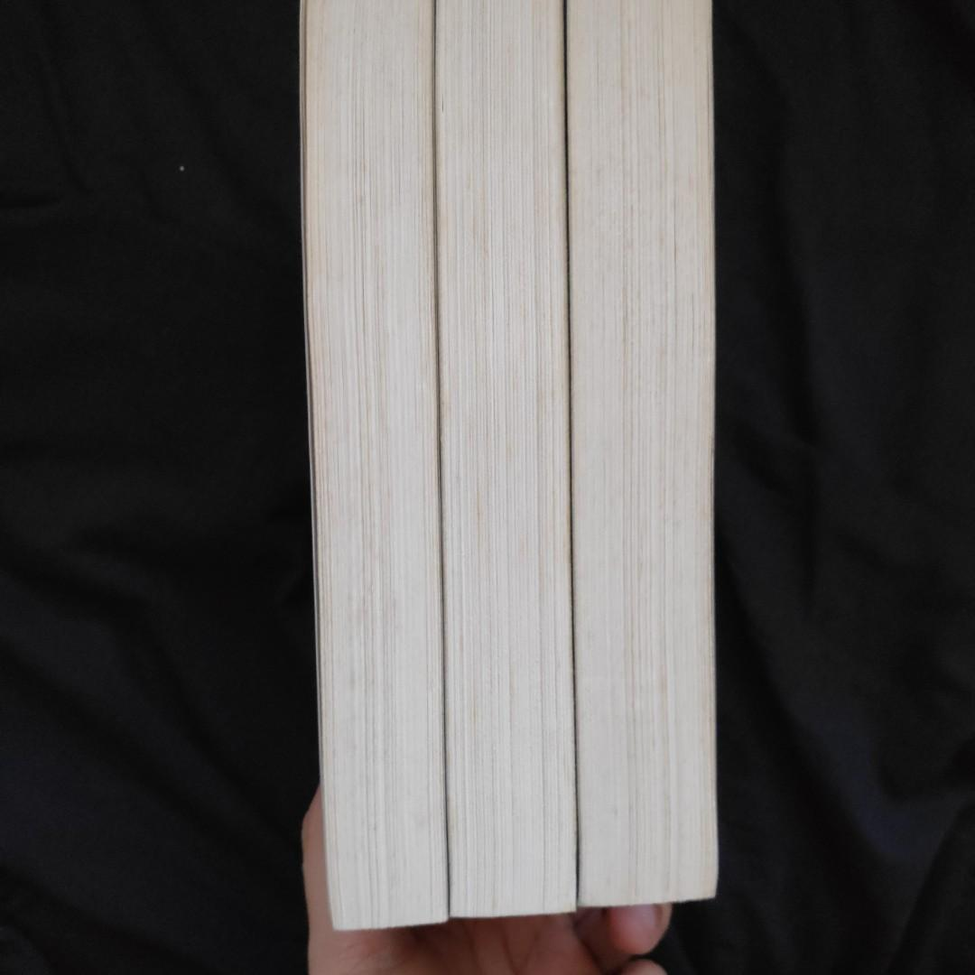 Fifty Shades of Grey Trilogy Boxed Set by E L James
