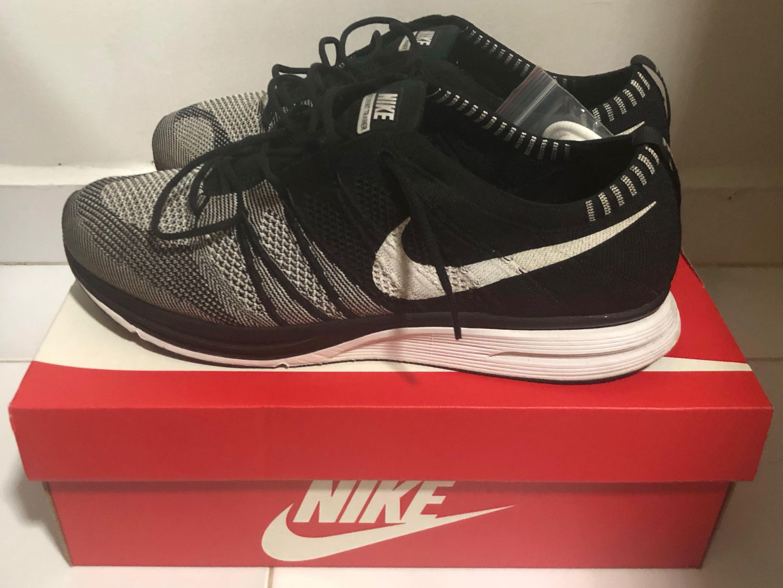 a066acbe072e Nike Flyknit Trainer Black Oreo