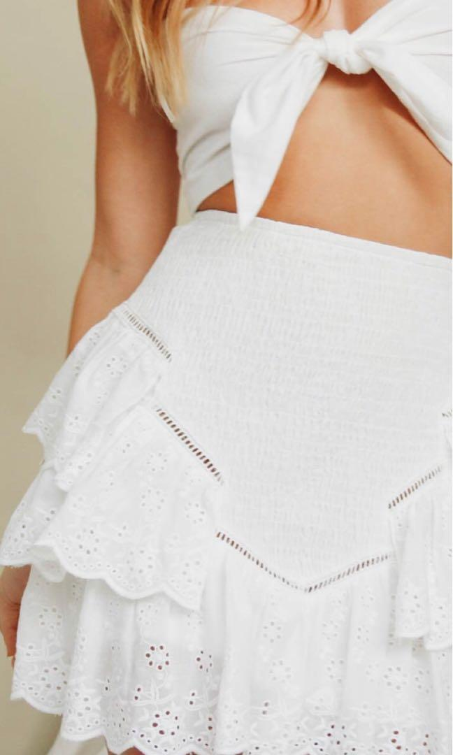Verge girl frill white skirt