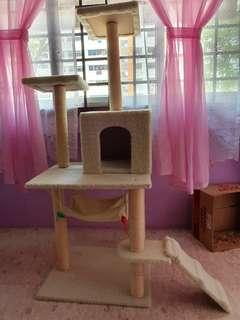 🚚 CAT SCRATCH POST THAT WILL REJUVENATE AND ACTIVATE YOUR SLEEPY CAT TO BE MORE ADVENTUROUS.