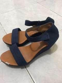 Sepatu wedges beebee