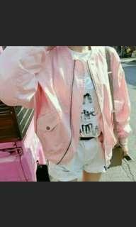 🚚 粉紅色飛行外套