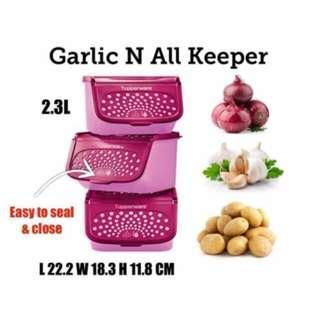 Tupperware Garlic N All Keeper