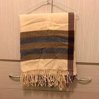 保暖的條紋圍巾