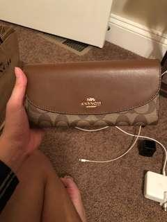 🚚 COACH Classic Wallet