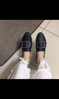 🚚 軟皮低跟鞋