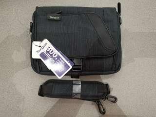 Targus Transpire Mini Messenger Bag
