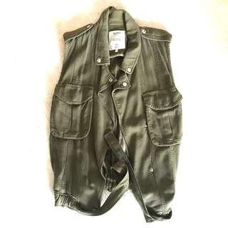 BNWOT Aviator sleeveless army green jacket