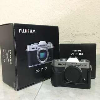 Never used XT10 Fujifilm with original case and box