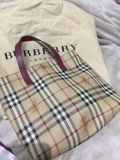 Authentic Burberry Handcarry