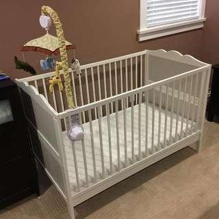 🚚 Baby Cot & mattress & bumper