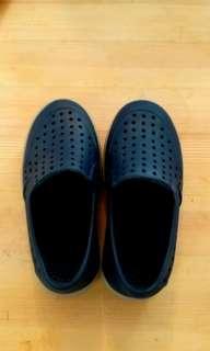 GAP 深藍色童鞋 C7-8  16cm 包郵
