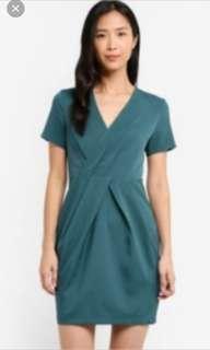 🚚 Wrap pleated dresses