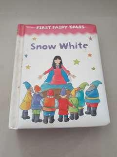 🚚 Snow White (First Fairy Tales) Board book
