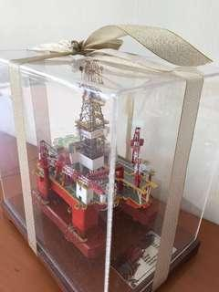 🚚 Limited edition oil rig model