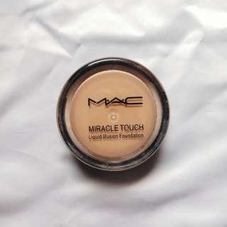 Mac miracle touch liquid foundation