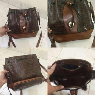 Drawstring bag leather