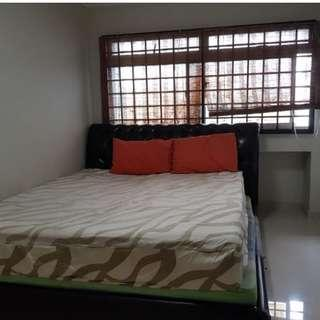Large Spacious Common Room for rent (High Floor, Quiet, Jurong West St 81)