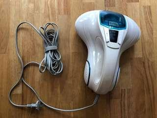 Handheld mattress vacuum with UV