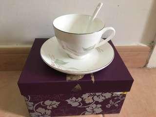 一對花茶杯